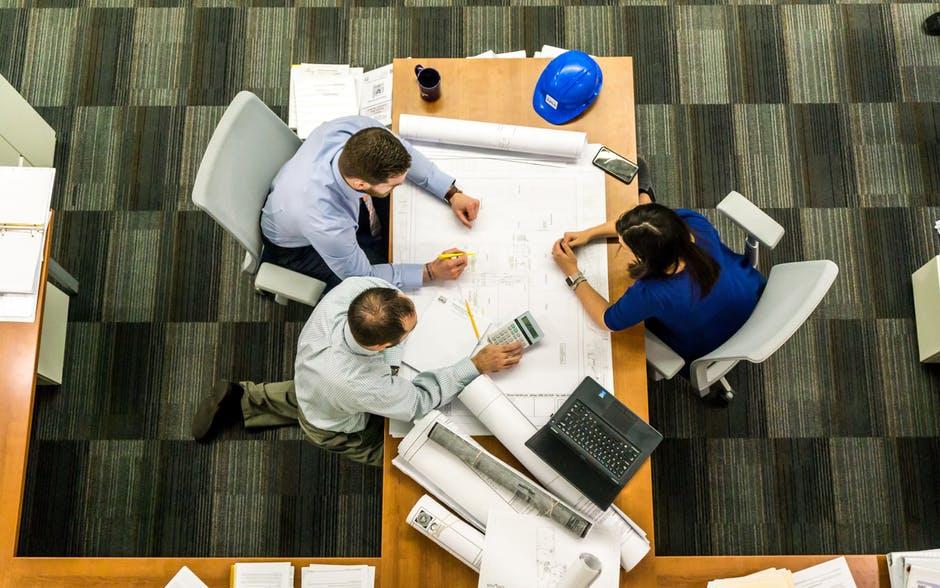 I sistemi di (potenziale) controllo dell'attività dei dipendenti e la conformità ai principi in tema di privacy e alla disciplina lavoristica