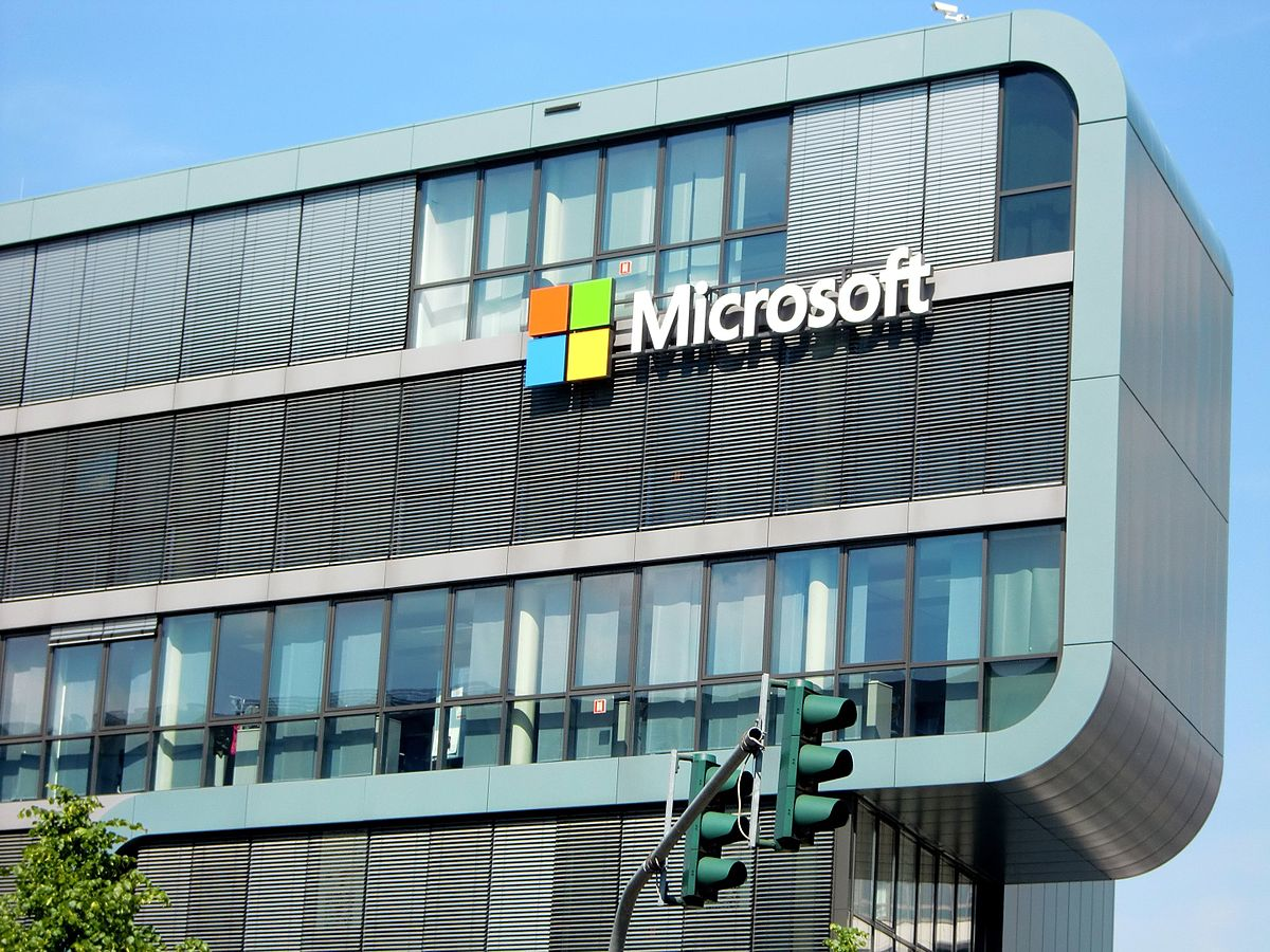 An (extra)ordinary decision: the U.S. Microsoft Case