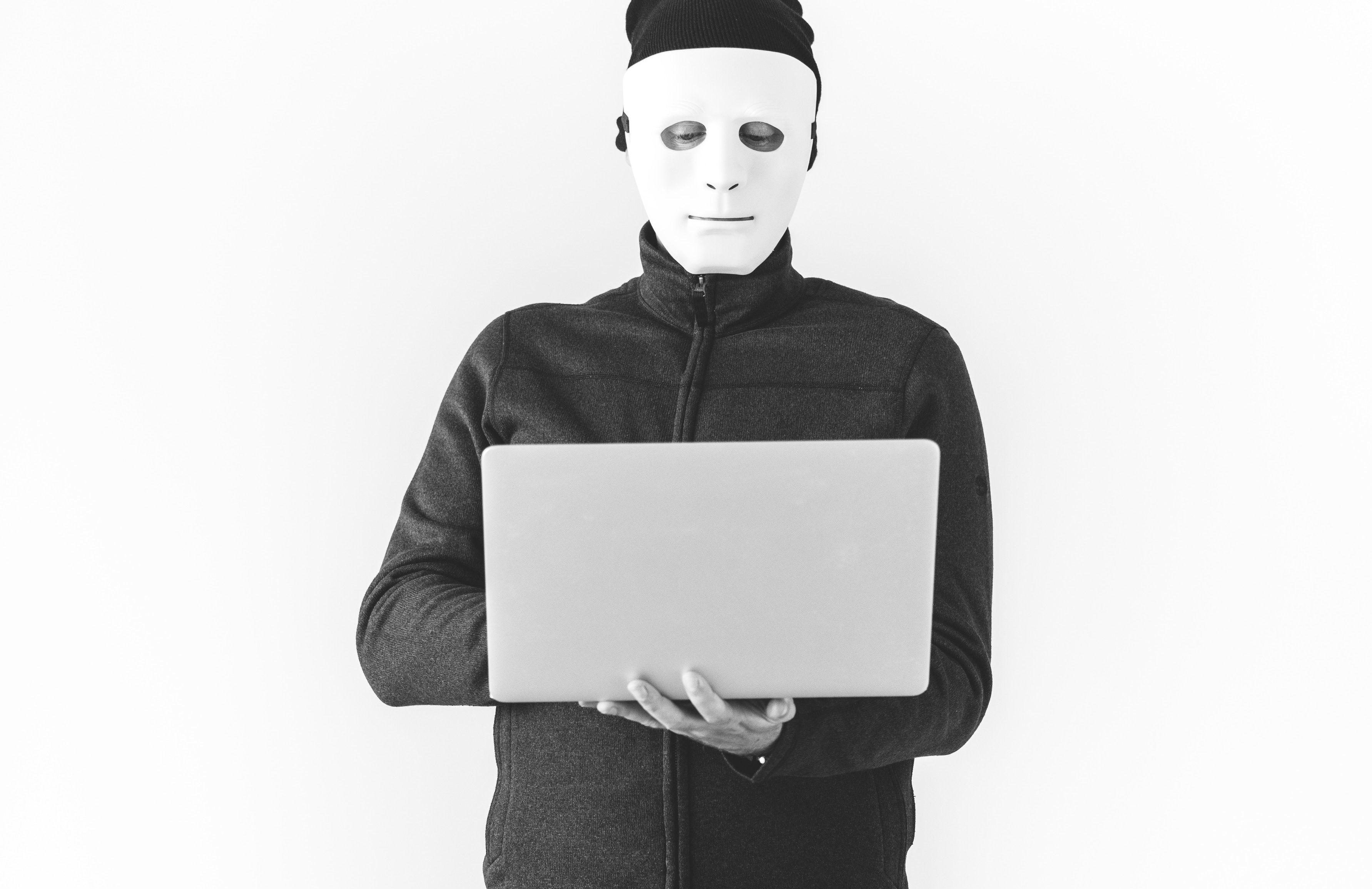 Cyberstalking: le persecuzioni ai tempi dei social network