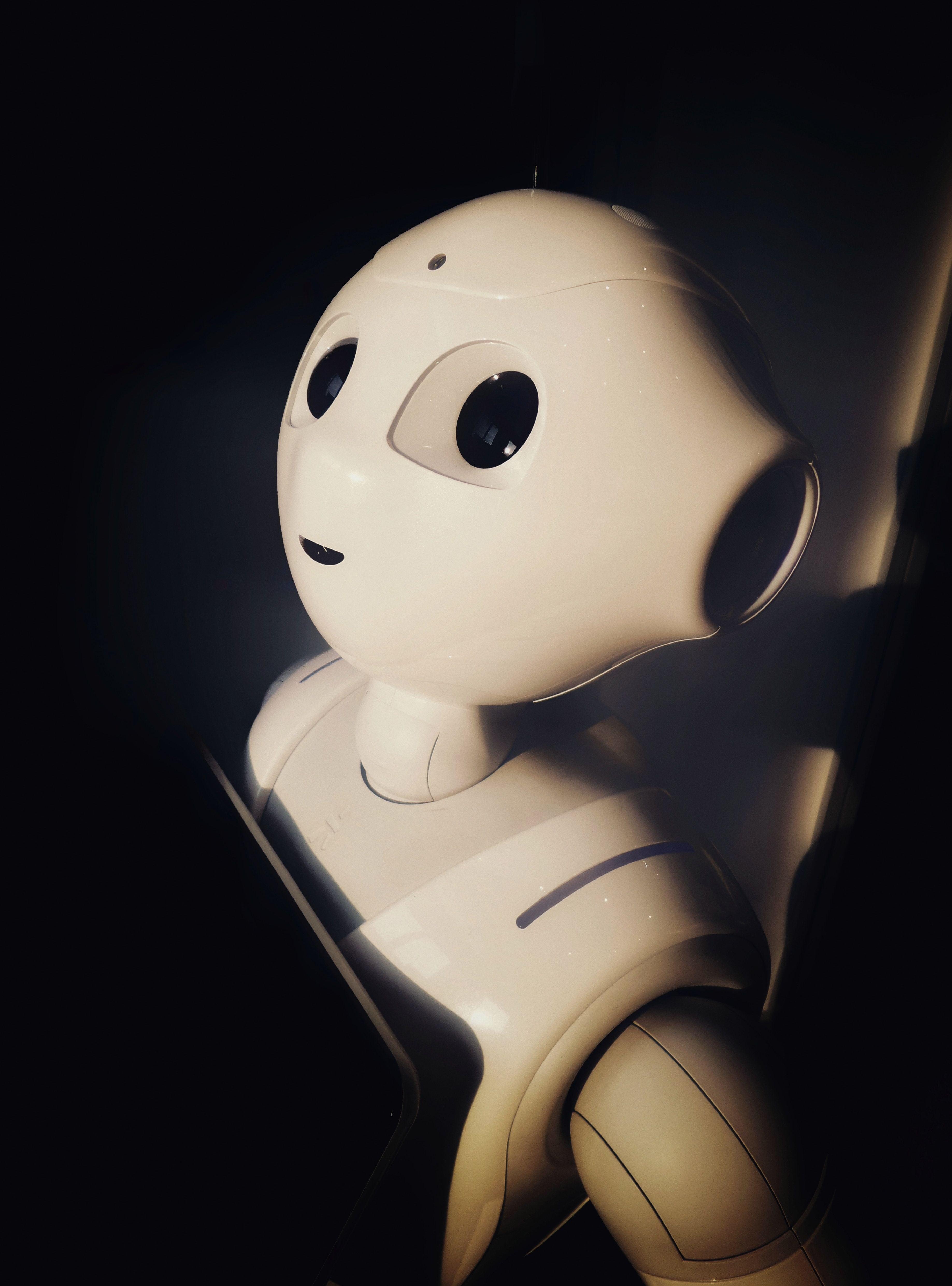 Intelligenza Artificiale e sviluppo etico: le linee guida dell'Unione Europea per una AI antropocentrica e affidabile